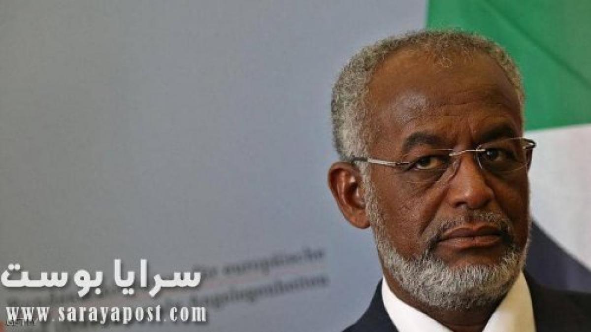 السودان تبدأ ملاحقة الإخوان.. قرار بالقبض على وزير الخارجية السابق علي كرتي