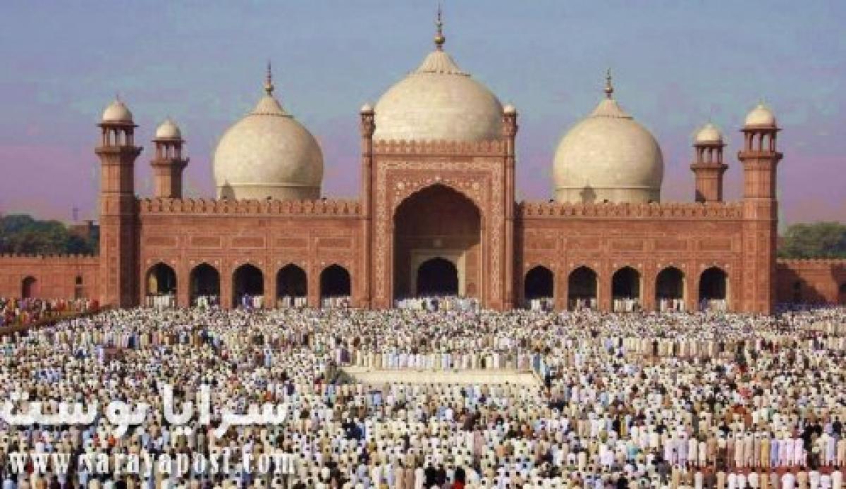 الشعب الباكستاني يرفض إلغاء صلاة الجماعة وغلق المساجد