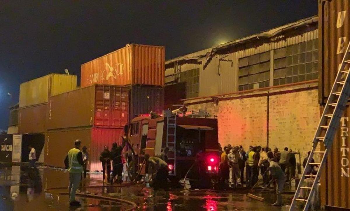 إخماد حريق مخزن بميناء غرب بورسعيد بوابة الأسبوع
