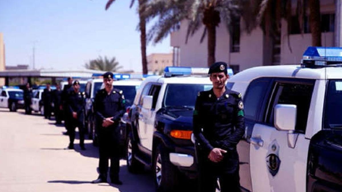 القبض على مقيمين في جازان لانتحالهما صفة موظف حكومي