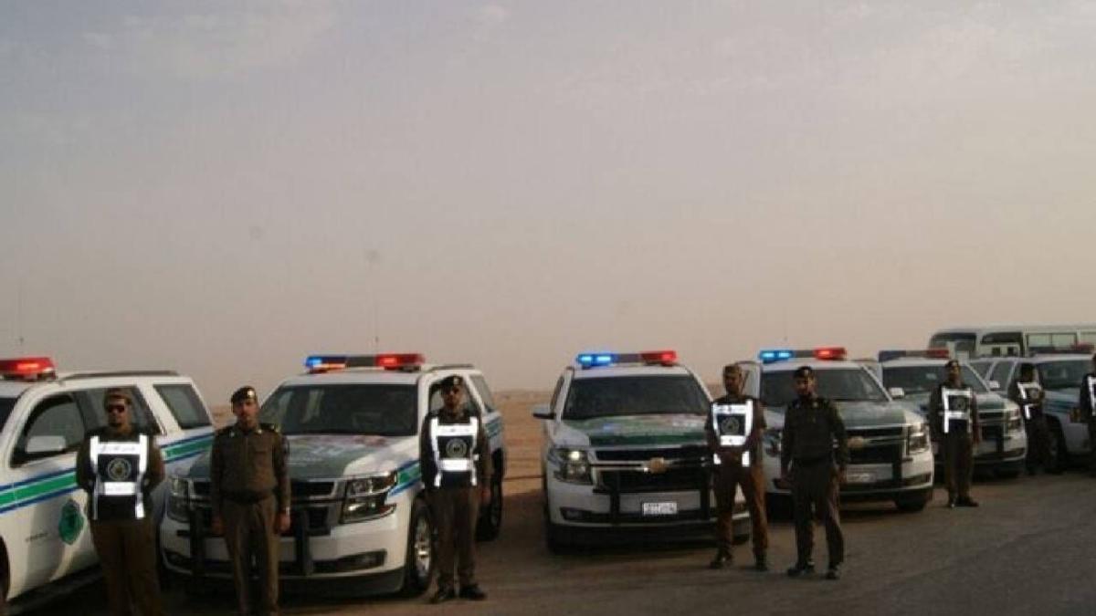 القبض على 4 مخالفين بالرياض جمعوا مبالغ مالية مجهولة المصدر وحولوها خارج المملكة