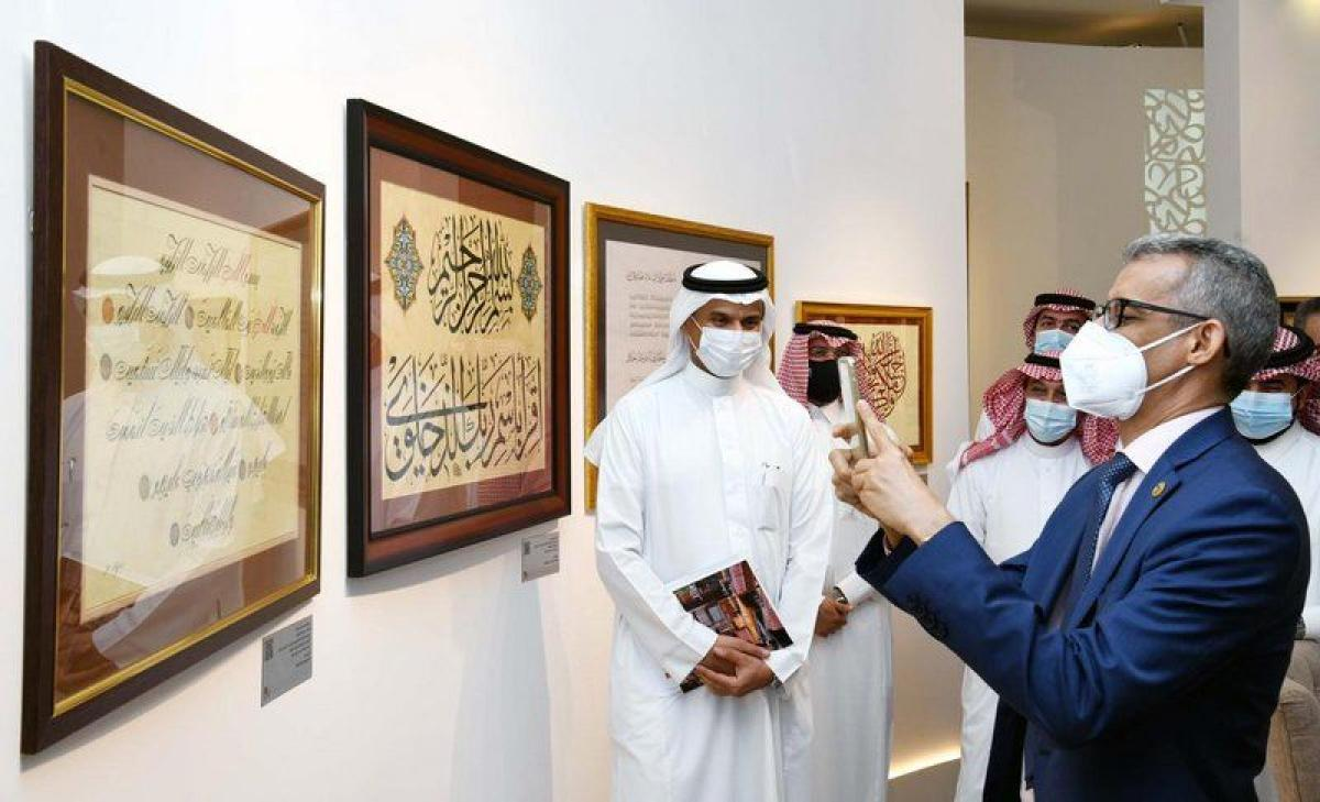 """مدير """"ألكسو"""": مكتبة عبدالعزيز العامة منارة تستحق الإشادة ونقل تجر"""