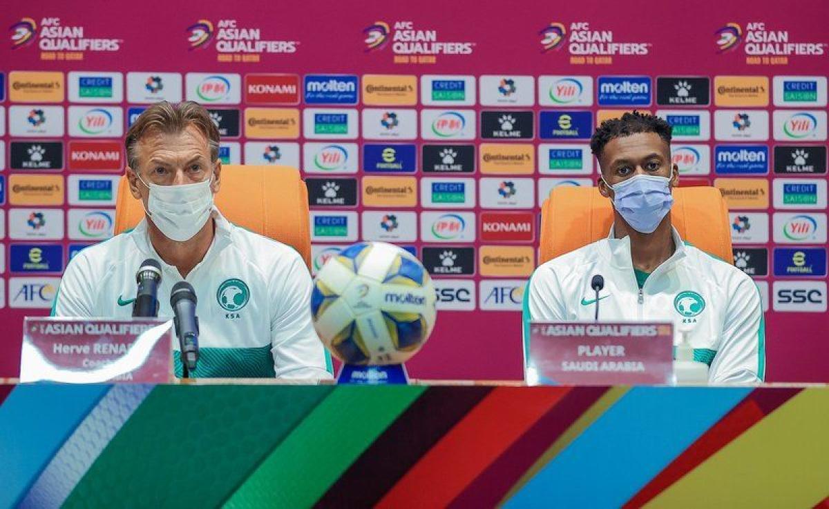 """""""رينارد"""": أمامنا مباراة مهمة ونتطلع لدعم الجماهير لتجاوز اليابان"""