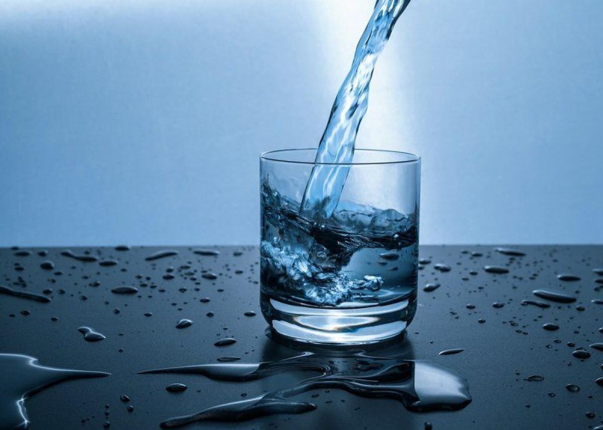 لشرب الماء على معدة خاوية صباحًا.. 6 فوائد مذهلة