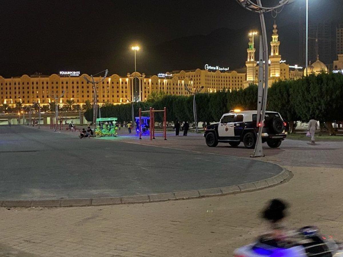 دوريتان أمنيتان تسيطران على حديقة الحسينية بمكة المكرمة