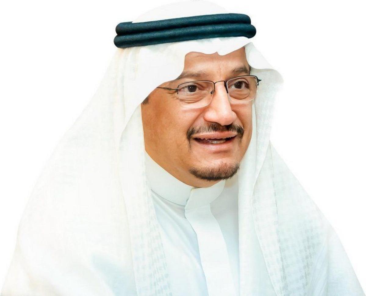 وزير التعليم يكرّم 49 طالبًا وطالبة حصلوا على 107 جوائز عالمية