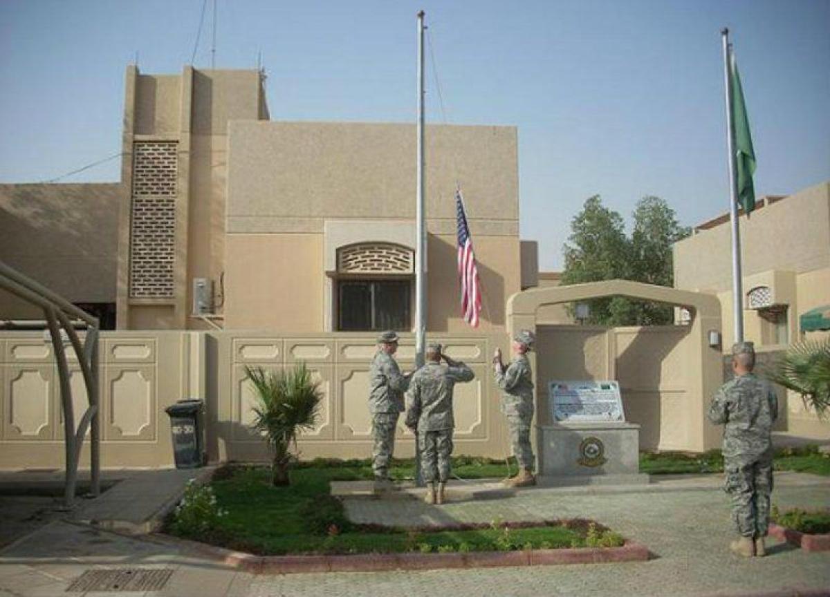 السفارة الأمريكية لدى الرياض تدين الهجوم الحوثي على مطار أبها