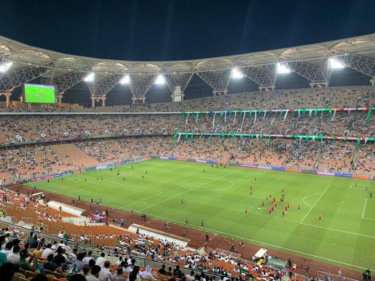 """حشود جماهيرية لمناصرة """"الأخضر"""" الليلة أمام اليابان في تصفيات كأس"""