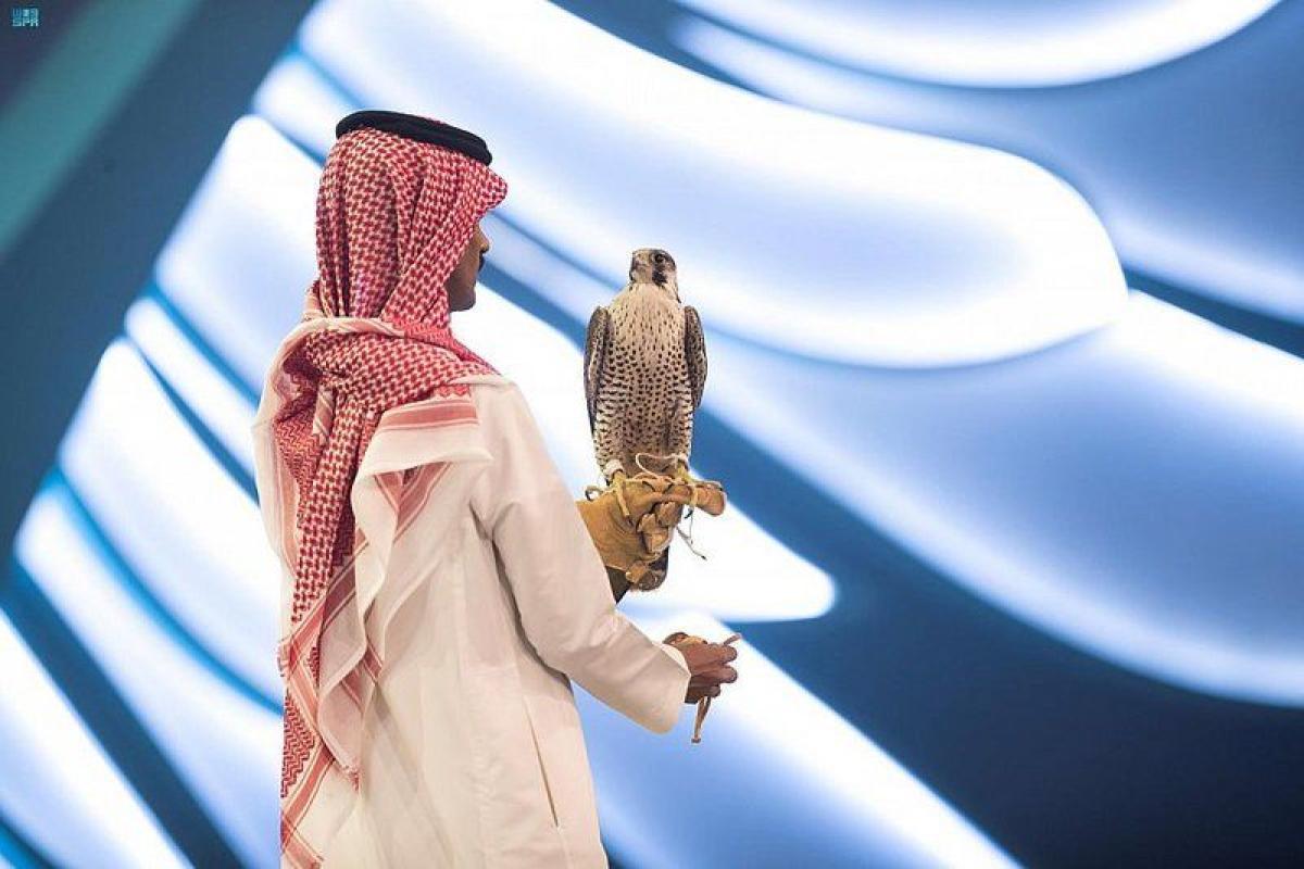 بيع صقرين بـ 123 ألف ريال في الليلة الرابعة لمزاد نادي الصقور الث