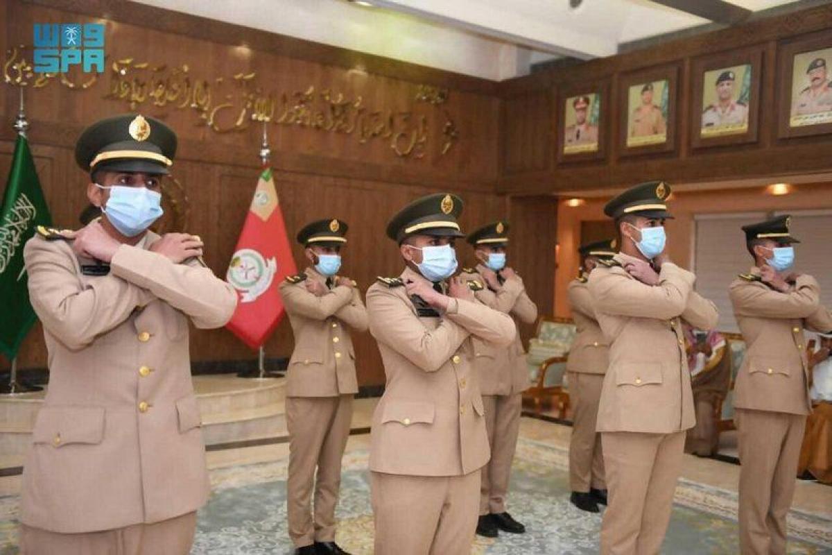 قائد كلية الملك عبدالعزيز الحربية يخرّج الطلبة المبتعثين من الصين