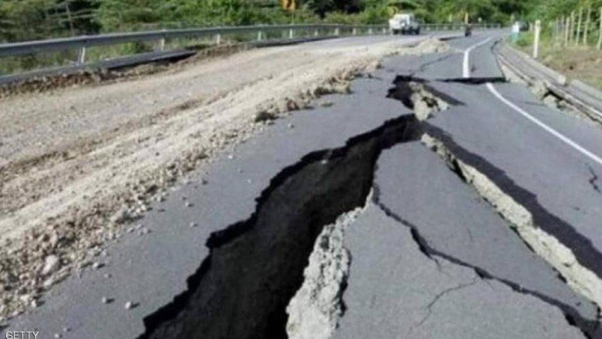 زلزال اليابان.. إصابة 32 شخصاً وحرائق في مبنى ومصفاتَيْن
