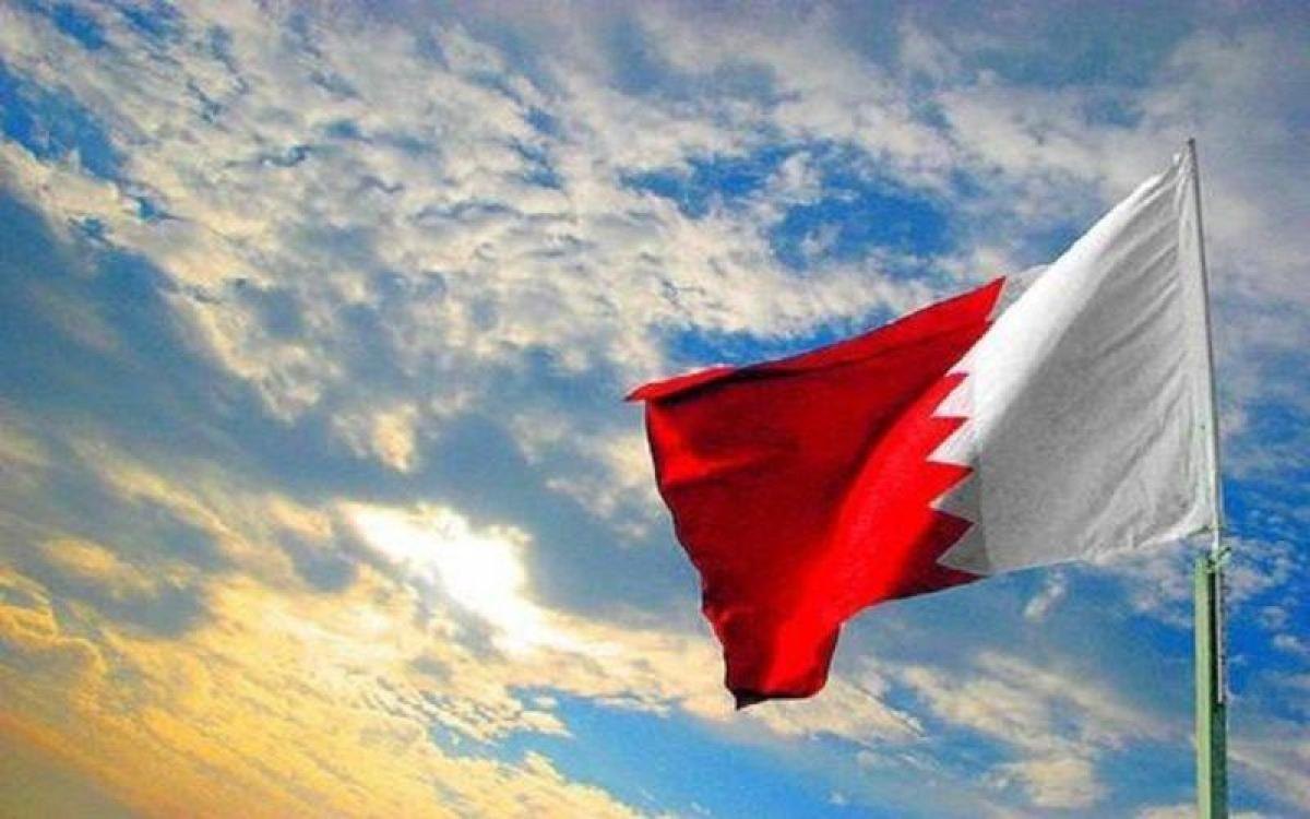 """البحرين تدين إطلاق """"الحوثي"""" صاروخ باليستي وطائرتين مسيرتين على خم"""