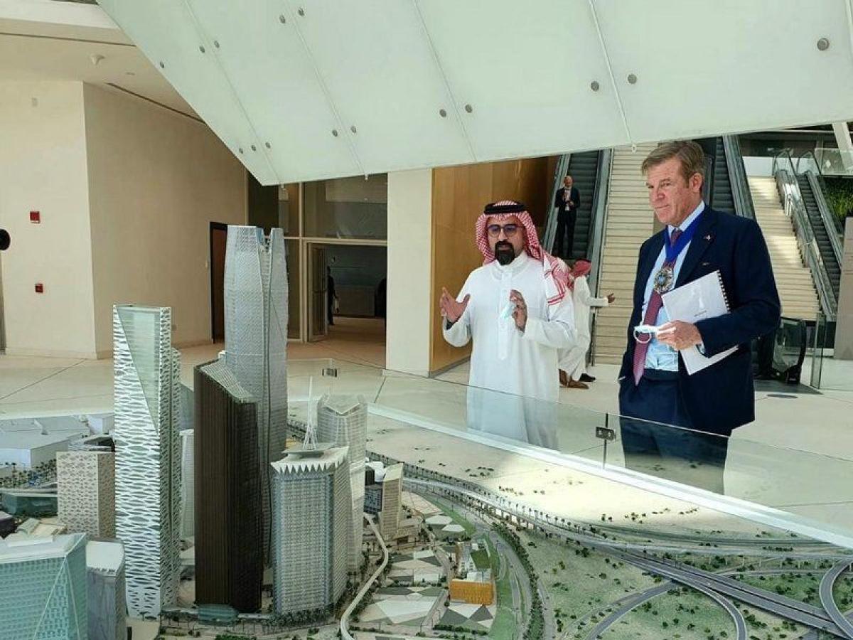 """""""عمدة الحي المالي بمدينة لندن"""": الاستثمار السعودي في بريطانيا له"""